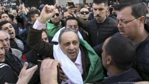 Algerian opposition politician Soufiane Djilali during an anti-Bouteflika demonstration on 24.02.2019 in Algiers (photo: picture-alliance/AP)