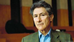 Portrait photo of the Palestinian-American cultural critic Edward Said taken in 1999 (photo: picture-alliance/akg)