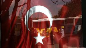 Symbolic image of mass dismissals in Turkey (photo: picture-alliance/AP photo/P. Karadjias)