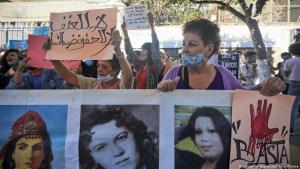 Algerian activists rally in the capital Algiers, Algeria on 8 October 2020 to denounce the brutal murder of a 19-year-old woman and those of the 38 other women killed last year (photo: Louiza Ammi/abaca/picture-alliance)
