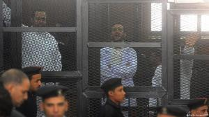 Secular opposition members in front of a court in Egypt, 22.03.2013 (photo: Getty Images/AFP)